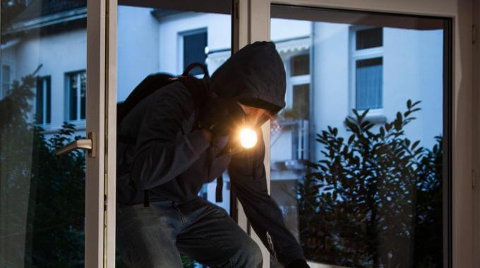 come proteggere la casa dai furti