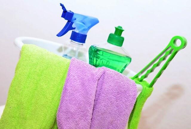 come pulire le mattonelle